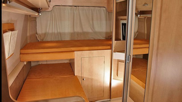 campingbus kastenwagen 6m einzelbetten peugeot burow vip 600 l boxer wohnmobil. Black Bedroom Furniture Sets. Home Design Ideas